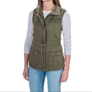 🎀 Max Jeans • Olive Green Vest